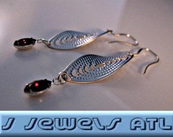 Silver Bezel Earrings,drop earrings,dangle earrings,silver earrings,bezel earrings,filigree earrings,crystal earrings,silver filigree