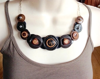 Whistling Dixie vintage delight button necklace
