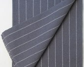 Menswear towel, dark grey weft
