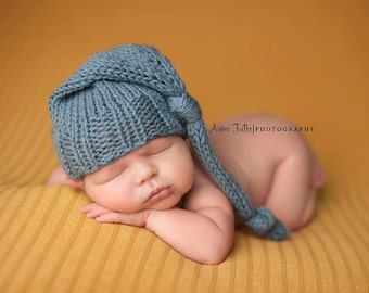 Knitting Pattern, Knit PDF Pattern,  Newborn Hat Pattern, PHOTO shoot prop,  Knit, Tutorial, PDF, Newborn hat, Noggin Topper, Knotted Hat