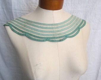 vintage handmade collar - green tape - bias tape - e25
