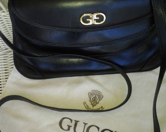 Gucci Leather crossbody/pouch HandBag Black GG Logo- Amazing