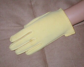 Vintage YELLOW Cotton wrist length Gloves