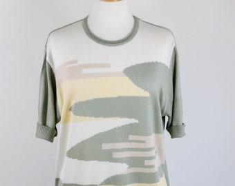SALE - Vintage 80s Womens Sage Green Cream Op Art Mid Century Modern Design Knit Top