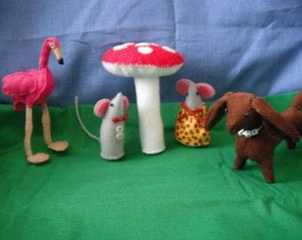 Felt Flamingo / Stuffed Bird / Stuffed Animal / Hand Sewn / Felt Bird