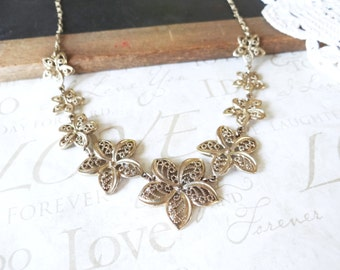 BLOOM where you are planted vintage flower necklace A19 (gold) | dainty | estate jewelry | costume | base necklace | dainty | pretty