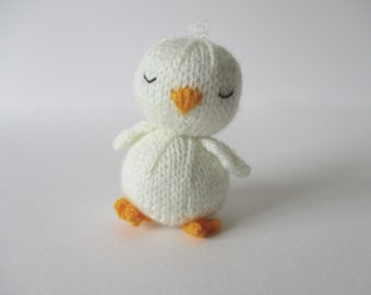 Sleepy chick toy knitting pattern