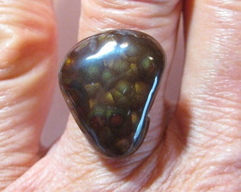 Mexican Fire Agate cab ....     18 x 15 x 6 mm ...    B1903