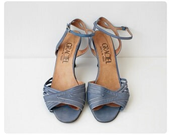 Vintage 1970s leather summer heels size 6, strappy open toe sandals, 3 inch heel blue stilettos