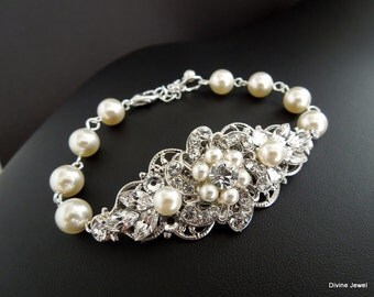Pearl bracelet vintage style wedding jewelry Cuff bracelet pearl Rhinestone bracelet Swarovski pearls and Swarovski crystals Pearl AMELIA