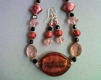 Chunky Pink and Black Necklace and Earrings (0025)