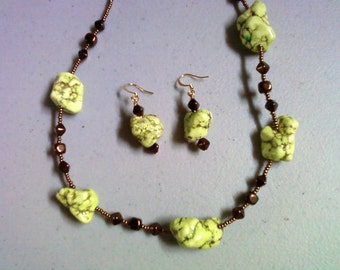 Chunky Light Green and Bronze Necklace and Earrings (0176)
