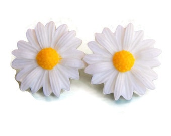 White Daisy Earrings - Large 20 mm flower earrings