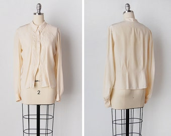 vintage 1930s blouse / 1930s silk top / cream silk blouse / Pointed Silk top
