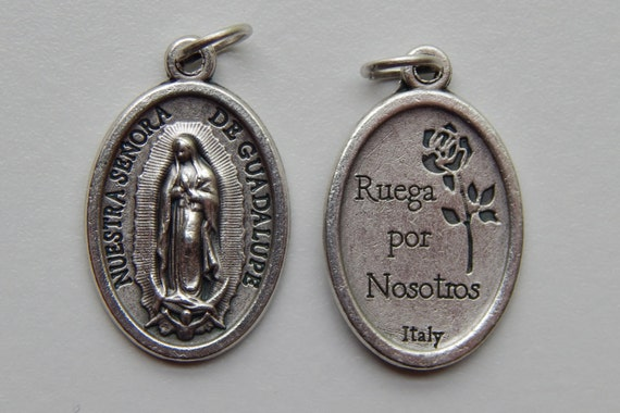 5 Patron Saint Medal Findings, Our Lady of Guadalupe, Die Cast Silverplate, Silver Color, Oxidized Metal, Made in Italy, Charm, Ruega, RM612