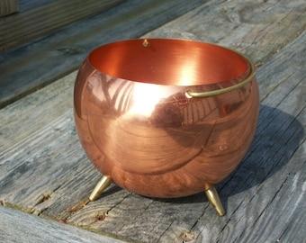 Beautiful Vintage Coppercraft Guild Copper Bowl Cauldron Planter On Sale