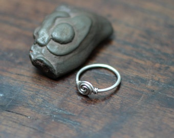 Saxon Spiral Knotted Ring, Hand forged Sterling silver wire ring, Size 8 1/2 (US), Size R (UK), size 18.5 (European)