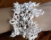 Tatting White Bracelet - Happy Day by Dom Klary