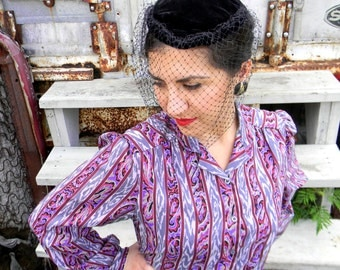 Vintage Officewear - Early 80s Secretary Blouse w Patterened Stripes - Paisley Stripe Shirt in Purple Maroon Black Gray Size M Medium