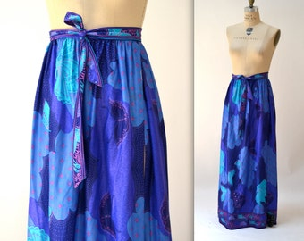 Vintage 70s Printed Maxi Skirt size Medium Tropical Butterfly size Medium// Vintage Psychedelic Print Blue and Purple Long Skirt
