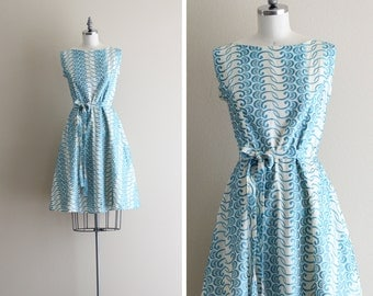 Vintage Dress . 50s Dress . Blue and White Eyelet Dress - Gentile Alouette -