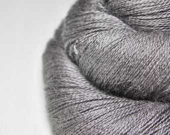 Dead walnut wood  - BabyAlpaca/Silk Lace Yarn