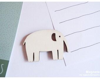 Maedchenwahn Magnet Elephant on roller skates,