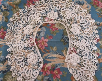 Victorian Crocheted Lace Collar