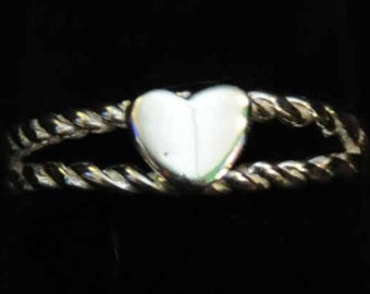 The heart on a rope ring