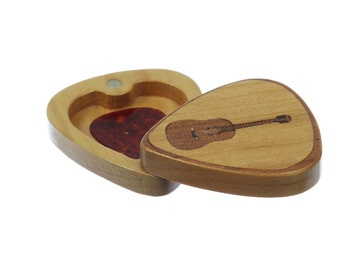 Guitar Pick Box, Pattern G20 slender, Solid Cherrywood, Laser Engraved, Paul Szewc
