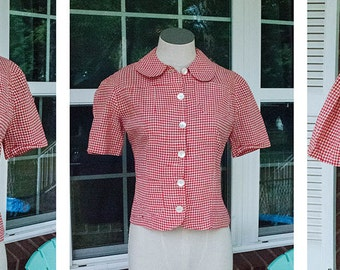 1950s - red and white - checkered gingham button up blouse with peter pan collar - size s