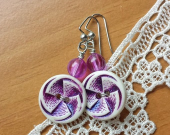 Purple Button Earrings, Wired Vintage Buttons and Beads Earrings