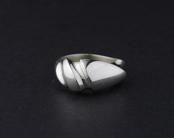 Swirled Waves Ring: Sterling Silver