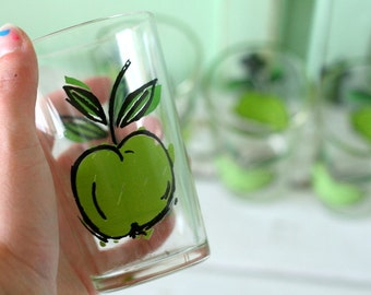 RETRO APPLE 1980s Juice Glasses....set of 4....retro kitchen. groovy glassware. funky. drink. serve. green apple. kawaii. kitsch. fruit