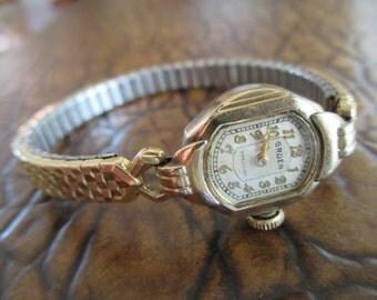 Vintage Gruen Ladies Wrist Watch With Stretch Band