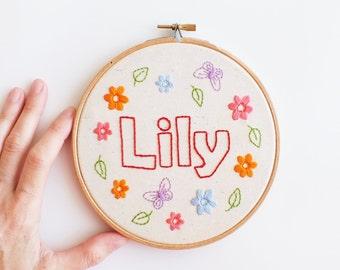 Kids name embroidery hoop, baby name art, embroidery hoop nursery decor, personalized name art, custom baby shower gift, kids room hoop art