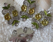 Floral & Leaf Scrolled Link and Strand Separator - Gold Flowers/Green Leafs - 4 pcs