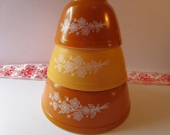 Vintage 3' Piece, 'Pyrex' mixing bowls with 'Butterfly Gold' pattern #2