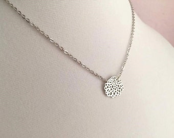 Silver Flower Necklace. Silver Lariate. Mom Necklace. Mum Jewelry. Mothers Day Gift. Mom. Modern Flower Necklace.Simple.Everyday.Bridesmaid.