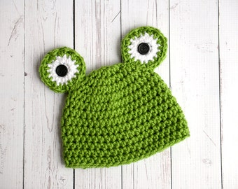 Green frog newborn hat crochet gender neutral photography prop - made to order