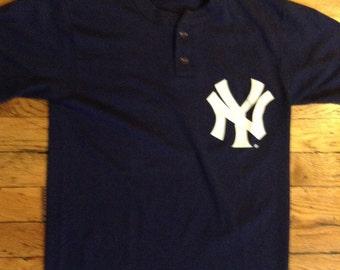 Vintage New York Yankees shirt
