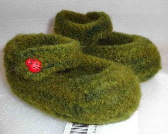 Sweet Baby Mary Jane slipper  Pattern -   How cute!!
