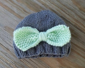 RTS 0-3 month Bow Hat, Infant Hat, Knit Infant Hat, Knit Photo Prop, Bow Beanie, Girl Hat