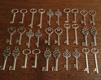 Keys to the World - Skeleton Keys - 30 x Large Vintage Keys Antique Silver Skeleton Key Skeleton Keys Bulk Keys Skeleton Keys For Weddings