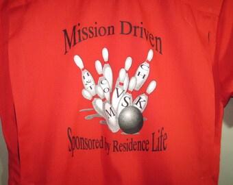 HILTON Bowling Shirt // Red Black Back Pleats // Short Sleeve...medium