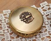 Vintage  Evans Gold Metal Mesh Compact Powder Compact Zodiac Scorpio Powder Compact
