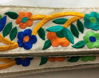 1 Yard Embroidered silk Ribbon on dupion silk in a gorgeous floral design on a creme background