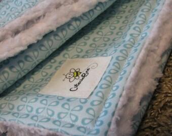 Minty Flutter Burp Cloth Set, Soft and Fluffy (2)
