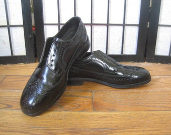 Vintage Mens Shoes 10.5 10 1/2 M Black Oxfords by Nunn Bush Wing Tip Wingtip Dress Shoe Spectator Like New