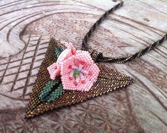 Mountain Laurels Necklace